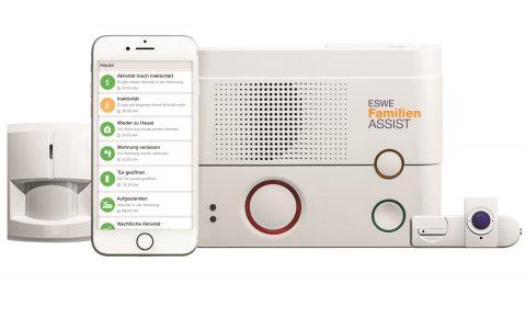 Mit ESWE Familien ASSIST sehen Angehörige auf einer übersichtlich gestalteten Smartphone-App, dass es den alleinlebenden Elternteilen gut geht. Dafür sorgen intelligente Sensoren in deren Wohnungen oder Häusern. ©2018 ESWE