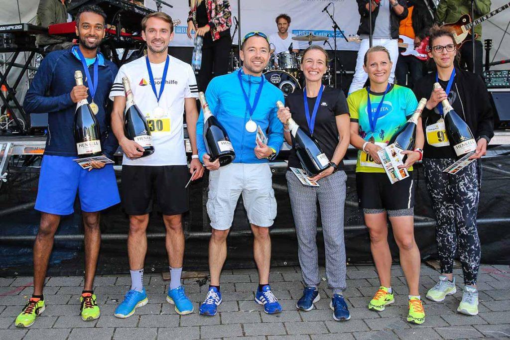 Die Sieger des ersten Midsummer Run Wiesbaden. Yfred Tesafi, Simon Horn, Christoph Neumann, Vanessa Kaufmann, Doren Lenk, Ulrike Rathmayer. ©2018 Detlef Gottwald