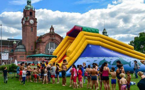 Die Kinder lieben es. Während der Sommerweise 2018 verwandelt sich die Reisinger Anlage vom 25. Juni bis 30. Juni täglich zwischen 15:00 und 19:00 Uhr in einen großen Spielpark. ©2018 Volker Watschounek