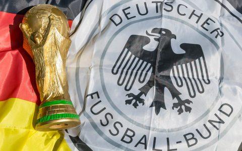 Wer wird Fußballweltmeister 2018 und wie viel ist der FIFA-Pokal wert? @2018 Flickr / Marco Ferch / CC BY 2.0