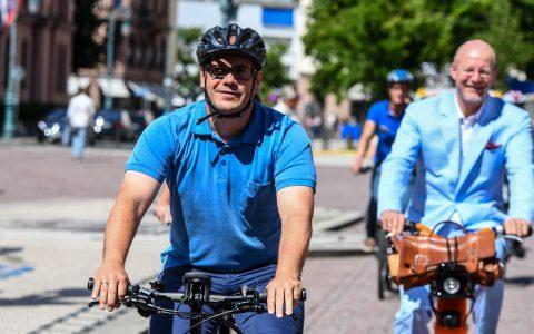 Wiesbaden radelt und allen voran Denis Borowski, Stadtradel Botschafter © 2018 Volker Watschounek