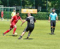 Auf dem Sportplatz der Spiel Vereinigung 1921 Erbenheim fand am Samstag das Fußballturnier Fair Play 2018 statt. Die AH von Mainz 05 traten dabei gegen eine Promi Auswahl aus Wiesbaden an. ©2018 Volker Watschounek