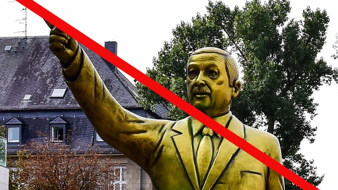 Erdigan Statue ist abgebaut. ©2018 Volker Watschounek