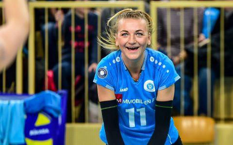 Simona Kóšová in der Saison 2017.2018 beim warm nachen. ©2018 Volker Watschounek
