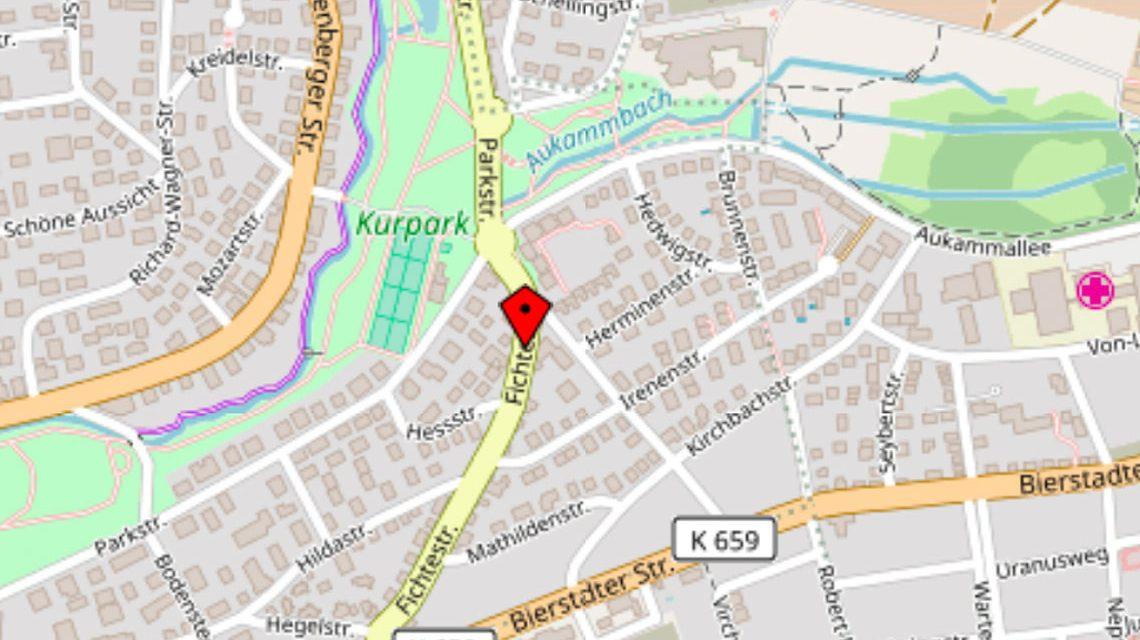 Vollsperrung im Bereich Fichtestraße und Parkstraße. ©2018 Openstreetmap