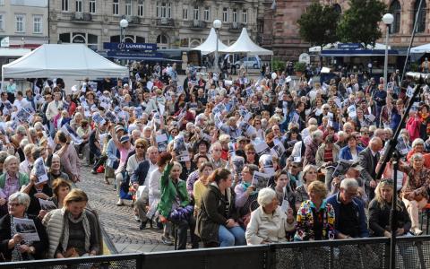 """Singfest """"Wiesbaden singt"""" auf dem Dern'schen Gelände. ©2018 WMK / Paul Müller"""