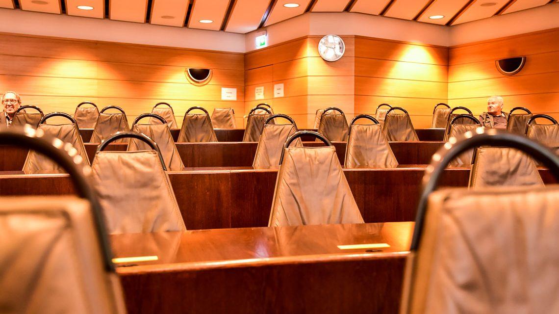Stadtverordnetenversammlung im Stadtverordnetensaal im neuen Rathaus Wiesbaden. ©2018 Volker Watschounek
