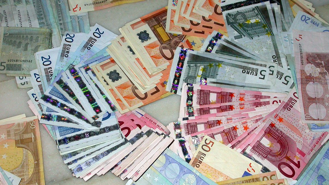 Steuerzahler, Geld... ©2018 CC-BY-2.0 / flickr / José Luis Sánchez Mesa