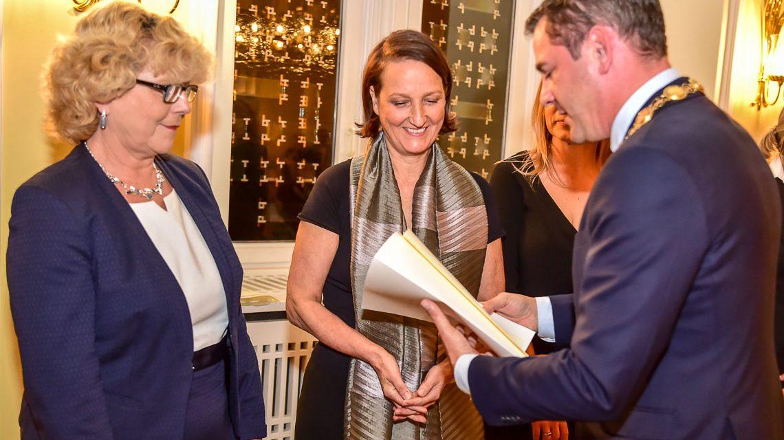 Das Freiwilligenzentrum Wiesbaden erhält den Integrationspreis