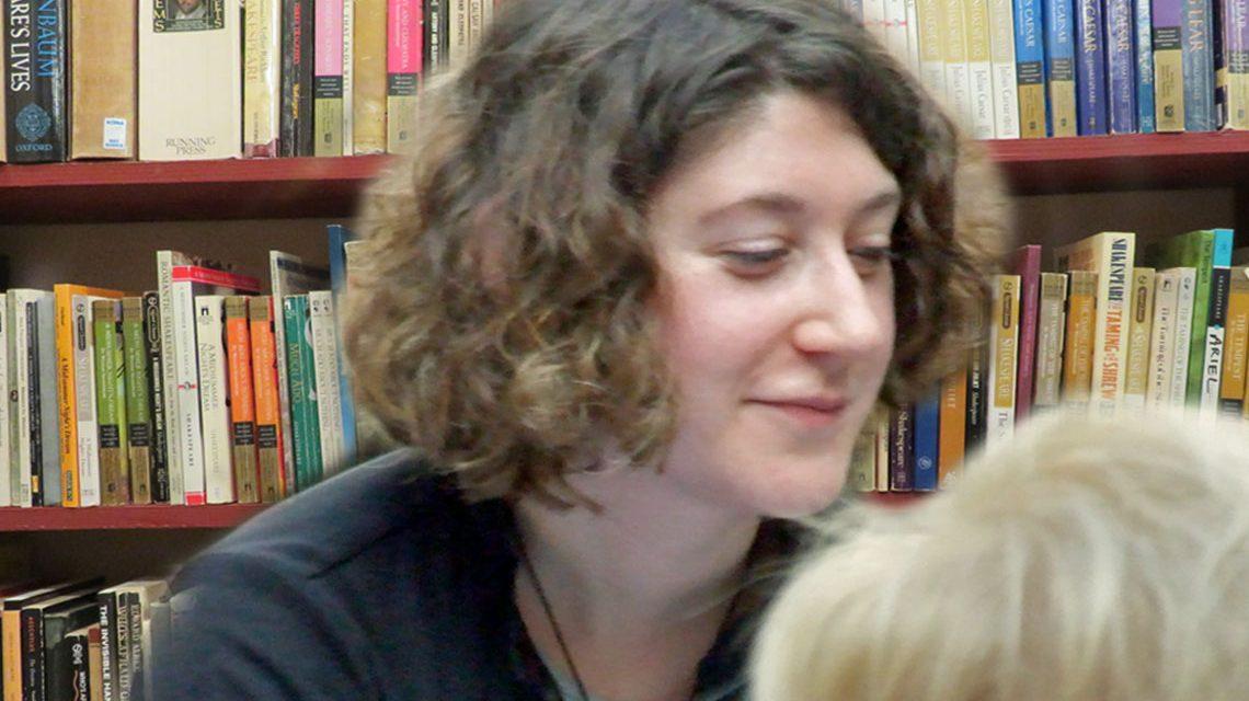 Lena Gorelik in Frankfurt am Main ©2018 Lena Gorelik, Eigenes Werk, bearbeitet von Wiesbaden llebt, CC-BY-SA 2.0