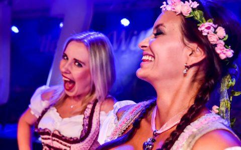 3. Wiesbadener Oktoberfest | 05.10.2018 | Die jungen Zillertaler |Miss Dirndl, Mister Lederhose | Wiesbaden Biebrich ©2018 Volker Watschounek