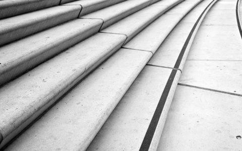 Treppauf - Treppab: Stufen sicher überwinden. ©2018 Flickr / MoWePhoto.de / CC-BY-2.0