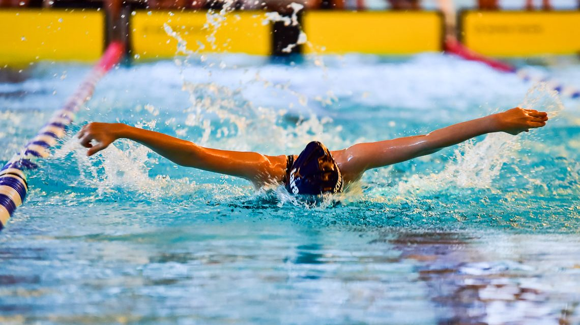 Folkert Meeuw fühlt sich geschmeichelt. Wiesbadens größtes Schwimm-Event trägt seinen Namen. Rund 500 Athleten aus ganz Deutschland waren am Wochenende beim 1. Meeuw Cup zu Gast in Wiesbaden. @2017 Volker Watschounek