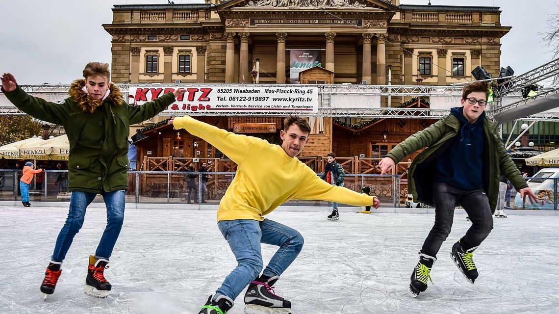 Start frei für Wiesbadens Eisbahn am Staatsthetaer
