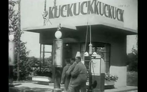 """Ausschnitt aus dem Film """"Die Drei von der Tankstelle"""" aus dem Jahr 1930 mit Heinz Rühmann, Willy Fritsch und Oskar Karlweis. Der Klassiker """"Ein Freund, ein guter Freund"""" von den Comedian Harmonists wurde am 22. August 1930 aufgenommen und erschien im September 1930. ©2018 Youtube"""