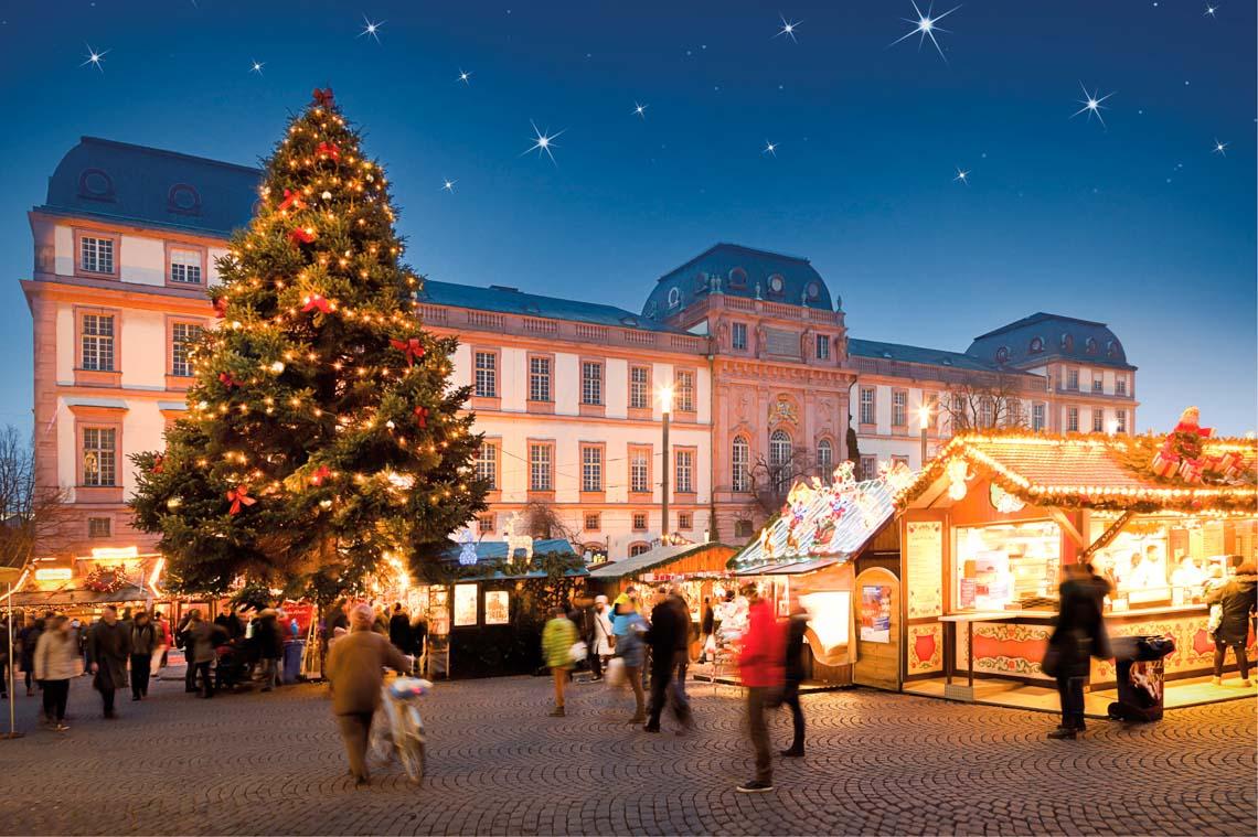Hessens Weihnachtsmärkte sind vielseitig und laden ein ... ©2018 Tourist Information Darmstadt