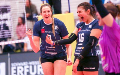 Jennifer Hamson und Morgan Bergren freuen sich über den deutlichen Sieg in Erfurt. ©2018 Detlef Gottwald