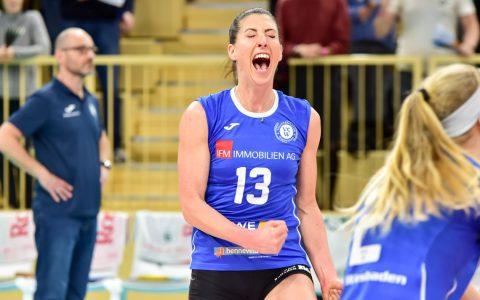 Volleyballbundesliga, Damen, 2018.2019, 18. Spieltag, VC Wiesbaden - Nawarro Straubing , 3:0. Karoline Bednarova jubelt!