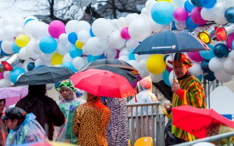 Kölner Karneval 2016 im Regen. ©2019 Flickr / Marco Verch / cc BY 2.0