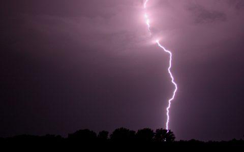 Blitzeinschlag ©2019 Flickr | cc-BY-2.0 | Lars-Kasper
