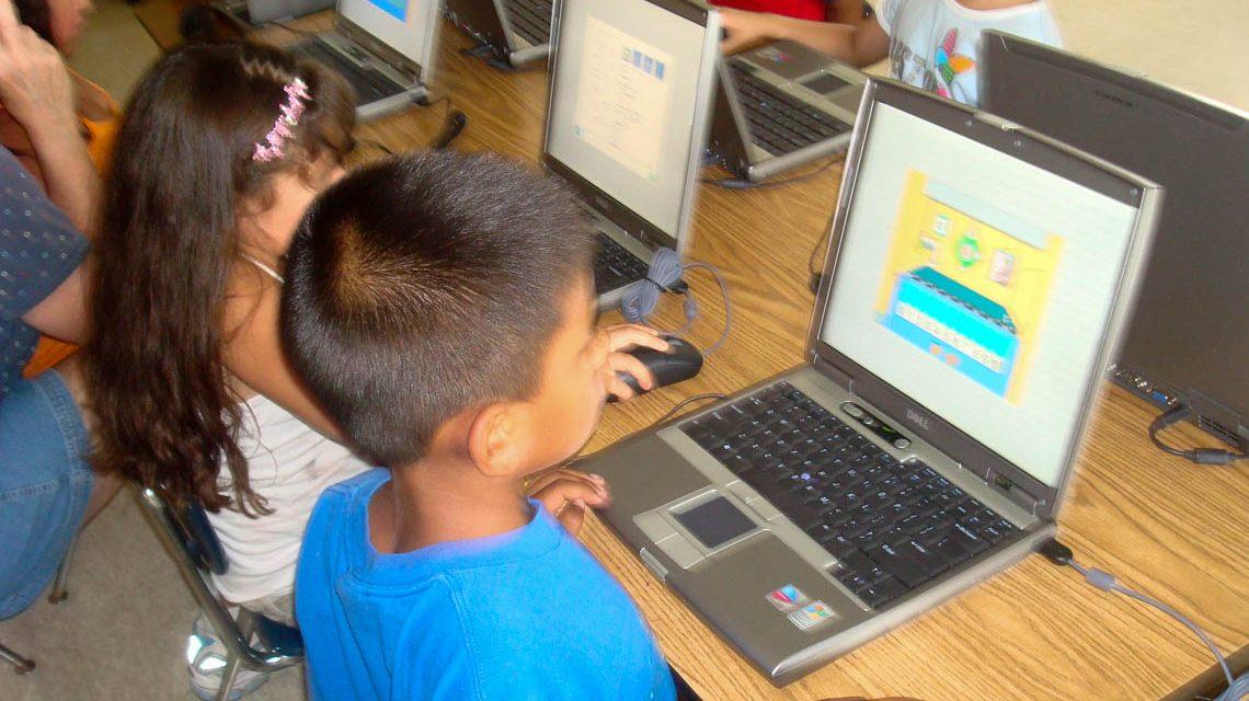 Computer um Unterricht Flickr / Michelle Adcock / BY-SA 2.0