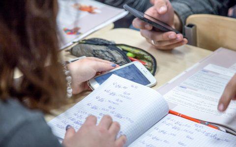 Matheunterrricht mit SmartPhone – ©2019 Forum Bildung Digitalisierung