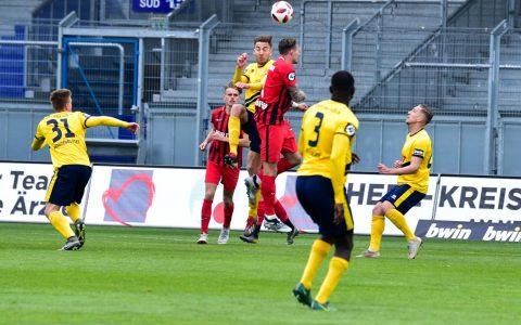 SV Wehgen Wiesbaden schlägt Fortuna Köln souverän mit 3:0. ©2019 Volker Watschounek