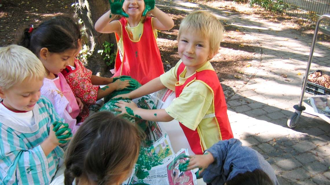 Basteln im Kindergarten, Basteln auf der Straße. ©2019 Basteln | flickr | Fan of Tasia