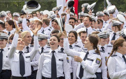 Vereidigung von rund 890 Kommissaranwärter ©2019 Hessische Staatskanzlei / Thomas Lohnes
